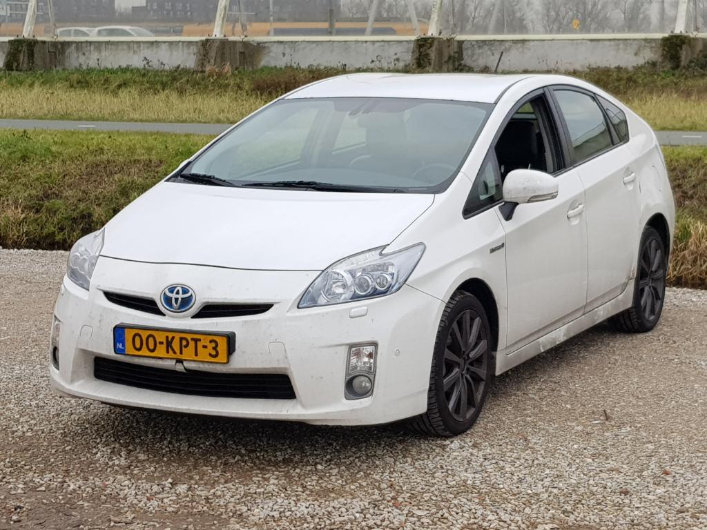 Toyota PRIUS  1.8 Dynamic