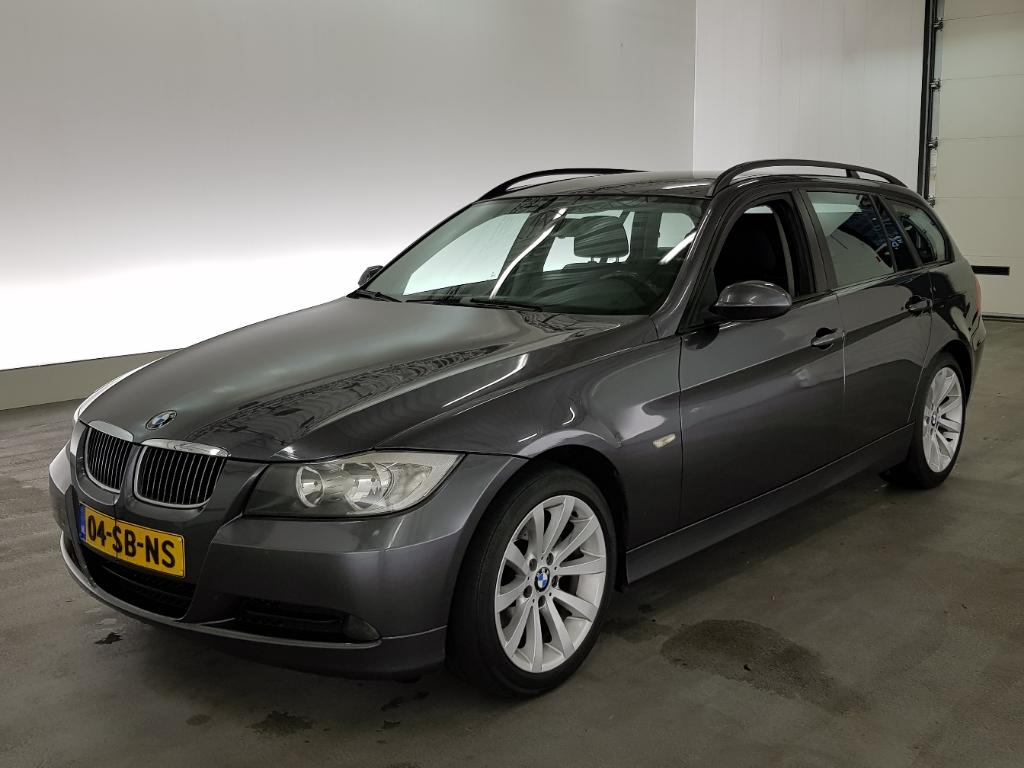 BMW 3-SERIE TOURING 320i Dynamic Exec.