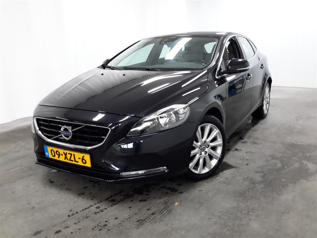 Volvo V40  1.6 T3 Momentum
