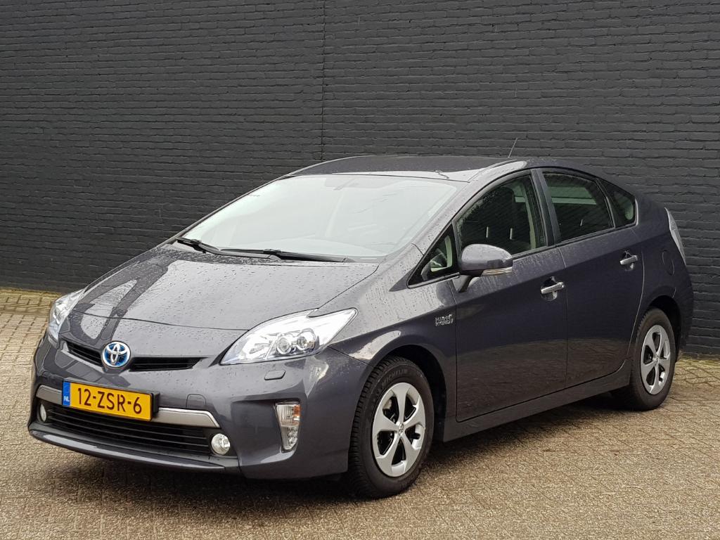 Toyota PRIUS  1.8 Plug-in Dyn.Bns