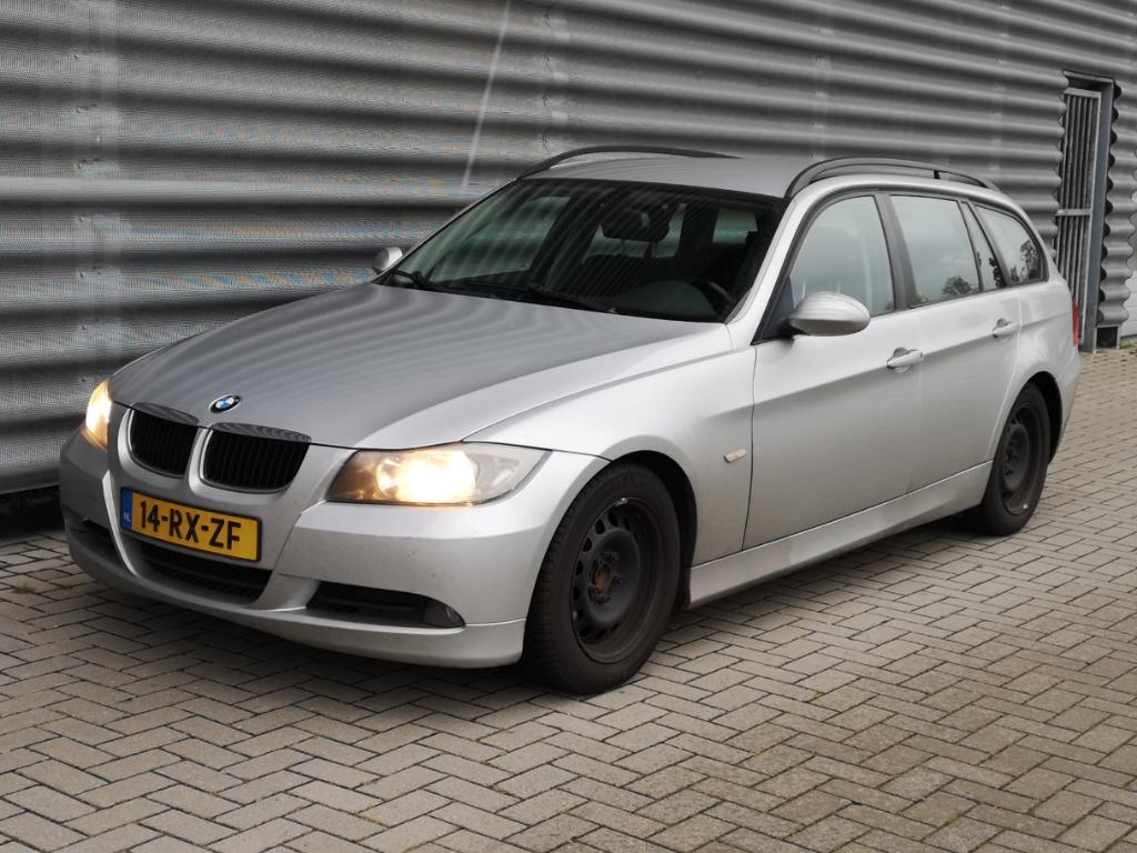 BMW 3-SERIE TOURING 320d Dynamic Exec.