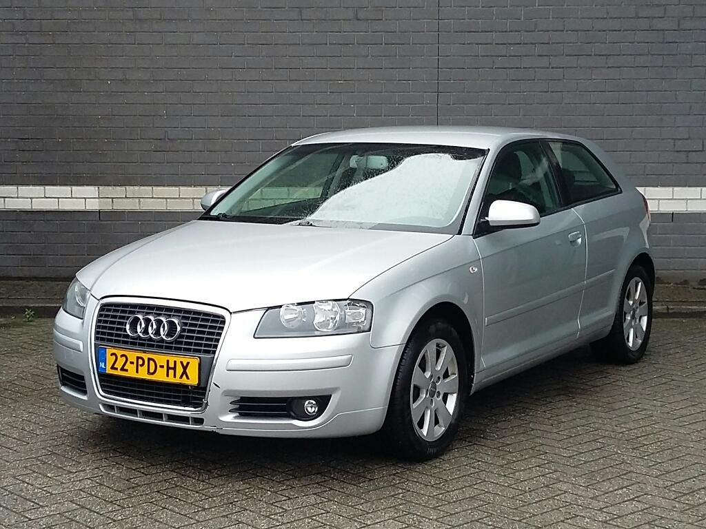 Audi A3  1.6 FSI Ambiente