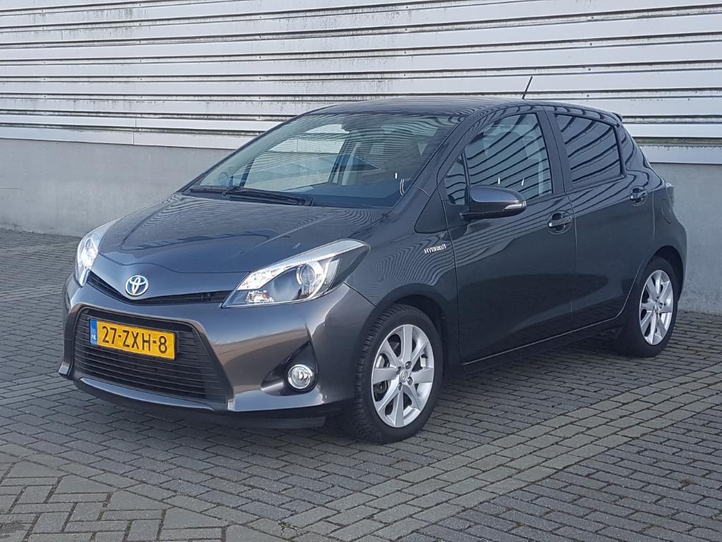 Toyota YARIS  1.5 Full Hybrid Dyn.