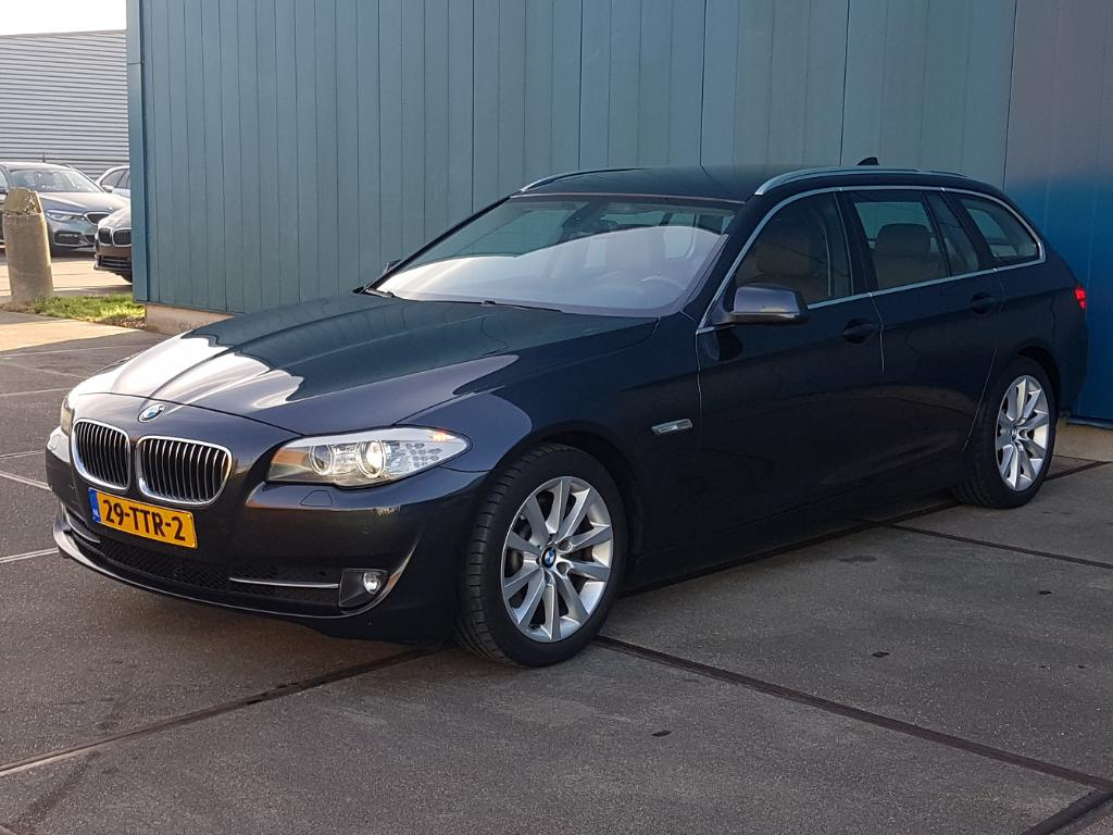 BMW 5-SERIE TOURING 530d High Executive