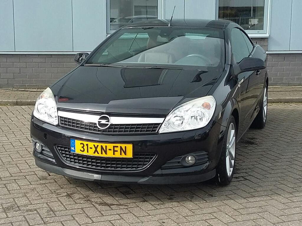 Opel ASTRA TWIN TOP 1.8 Temptation
