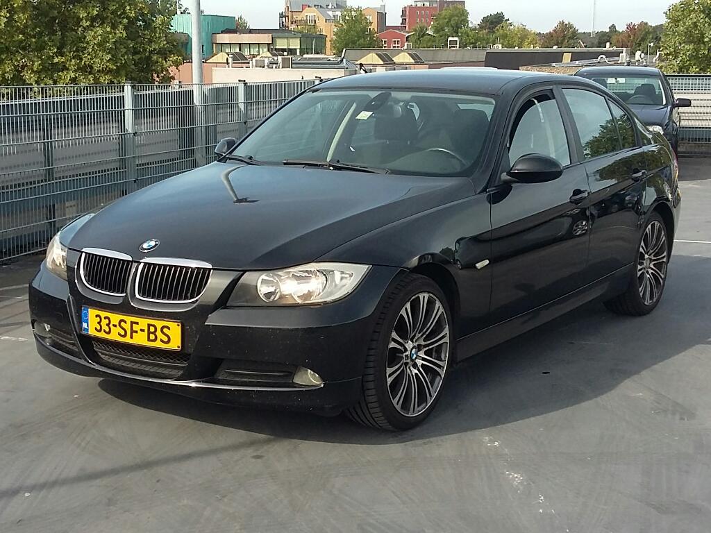 BMW 3-SERIE  318i Dynamic Exec.