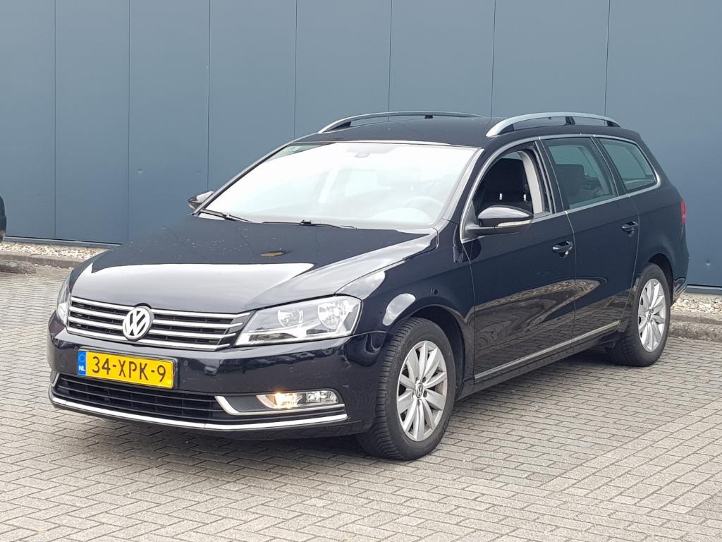 Volkswagen PASSAT VARIANT 1.6 TDI Comf Exec L.