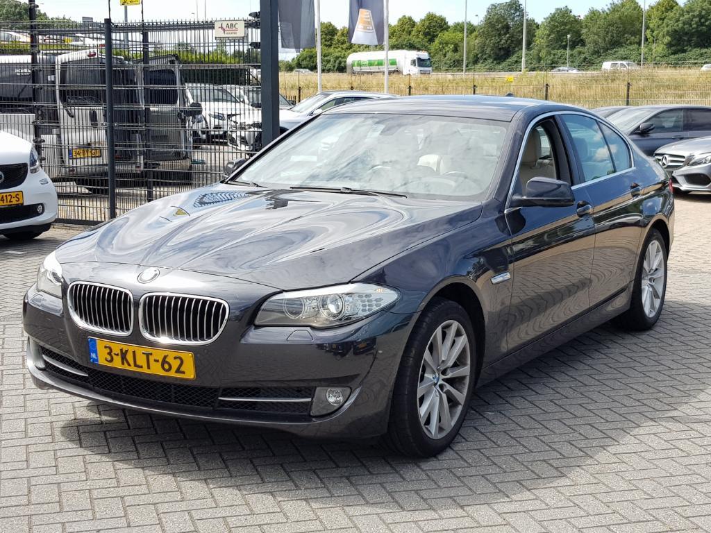 BMW 5-SERIE  528i High Execut. +