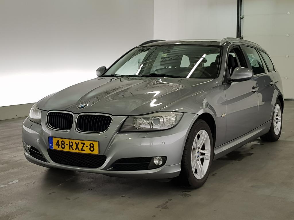 BMW 3-SERIE TOURING 318d Corp. L. Lux L.