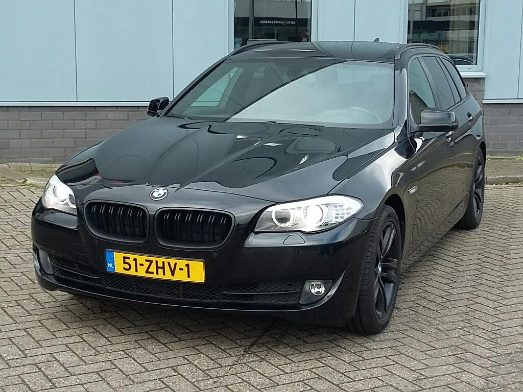 BMW 5-SERIE TOURING 520i Upgrade Ed.
