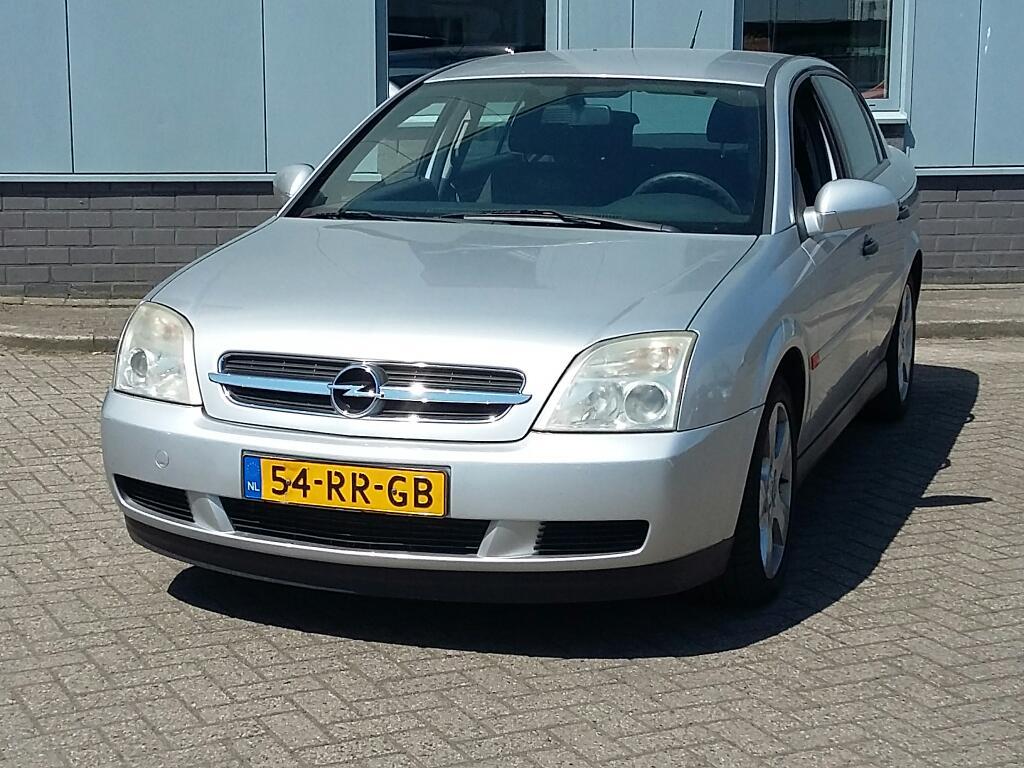 Opel VECTRA  2.2-16V Essentia