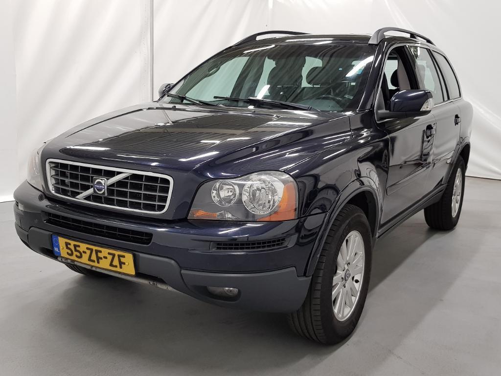 Volvo XC90  2.4 D5 Momentum    7P