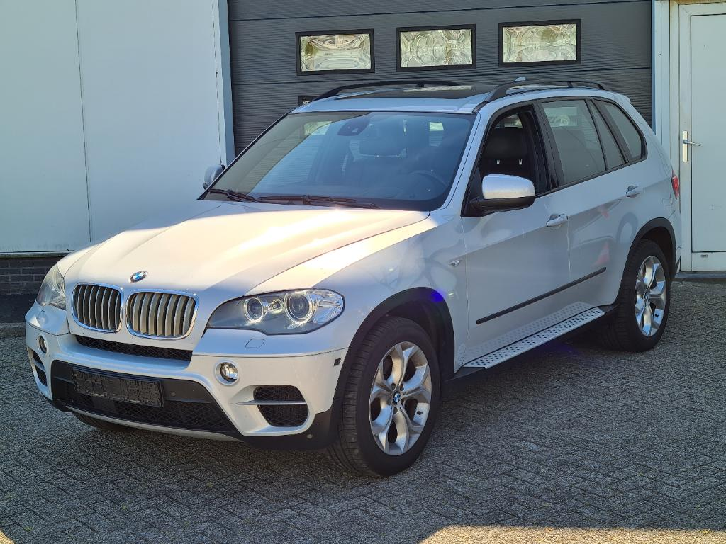 BMW X5  3.0L xDrive40d AWD