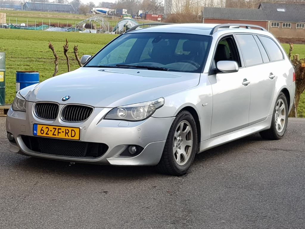 BMW 5-SERIE TOURING 525d Executive