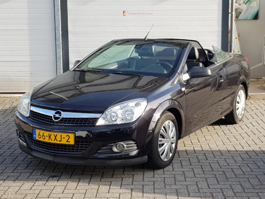 Opel ASTRA TWIN TOP 1.8 Enjoy