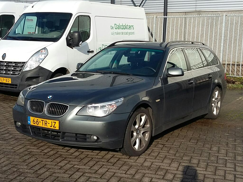 BMW 5-SERIE TOURING 525i Business Line