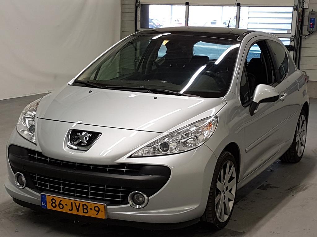 Peugeot 207 1.6-16V T Féline