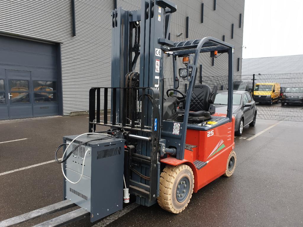 Heftruck Combilift Heftruck Heli CPD25-GD2 4,7mtr triplo/freelift 3 f 470 sideshift
