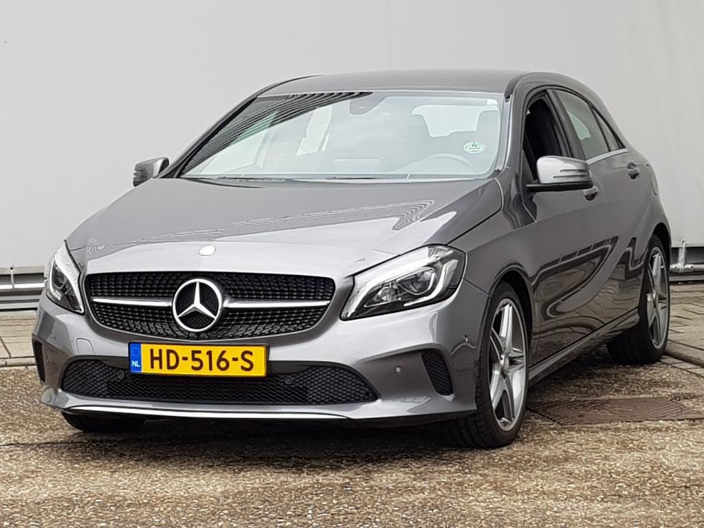 """Mercedes-Benz A-KLASSE  180 d Lease Ed. Style Navigatie 18 """" velgen"""