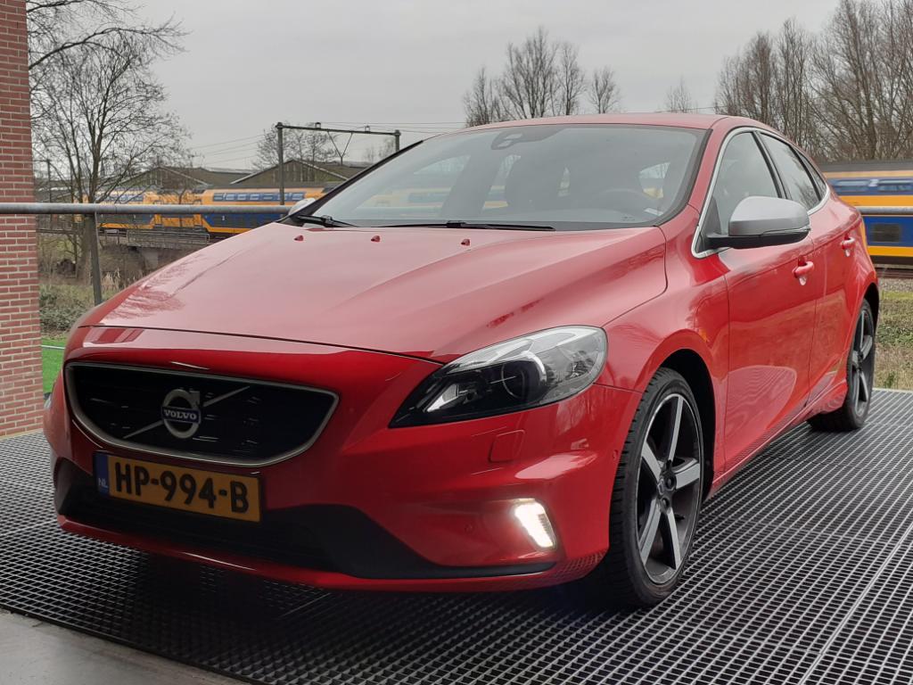 Volvo V40  2.0 D2 R-Design Bns