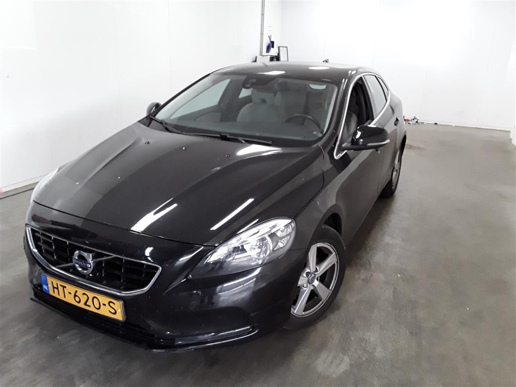 Volvo V40  2.0 D2 Summum Bns