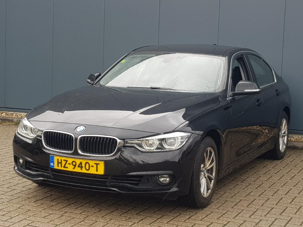 BMW 3-SERIE  318i Essential