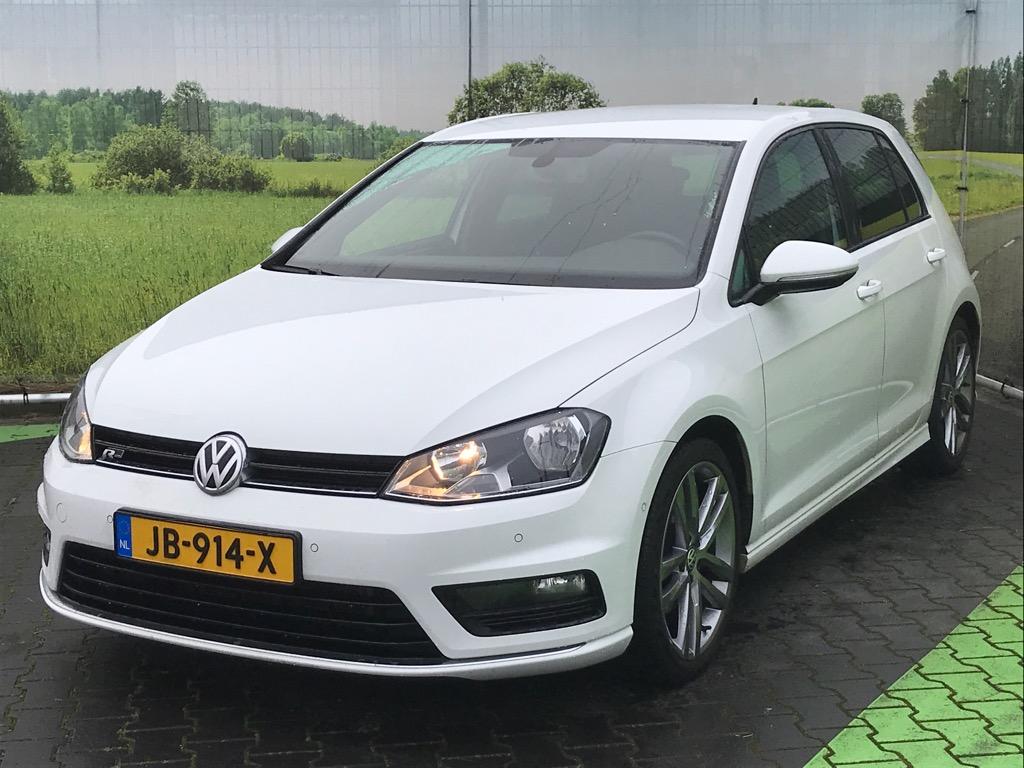 Volkswagen GOLF  1.4 TSI Bns Ed. R