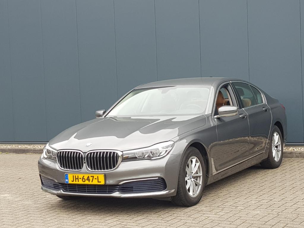 BMW 7-SERIE  740i