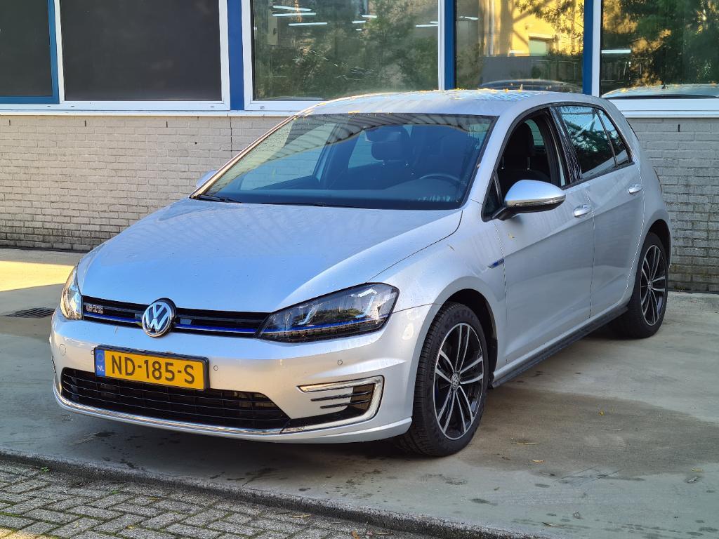Volkswagen GOLF  1.4 TSI GTE Con. Ser