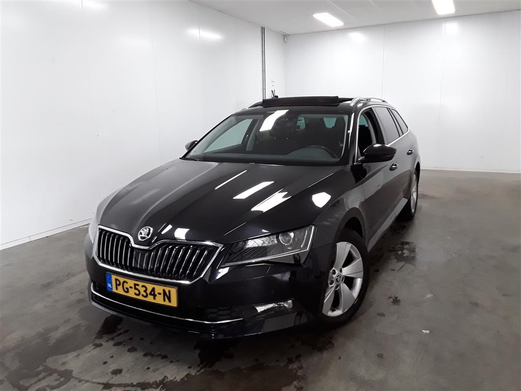 Skoda SUPERB COMBI 1.6 TDI Ambition Bns