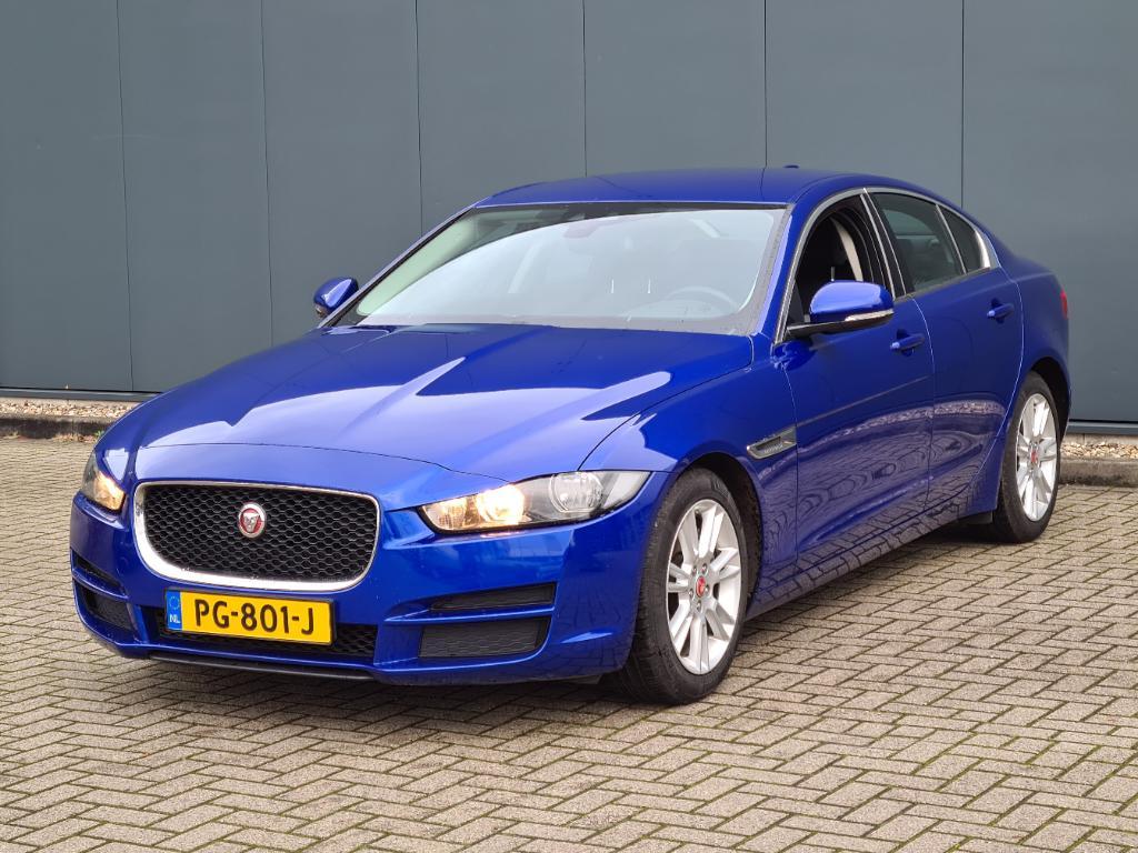 Jaguar XE 2.0 D Pure Pro Ed.