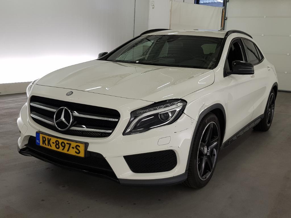 Mercedes-Benz GLA-Klasse 180 AMG-line