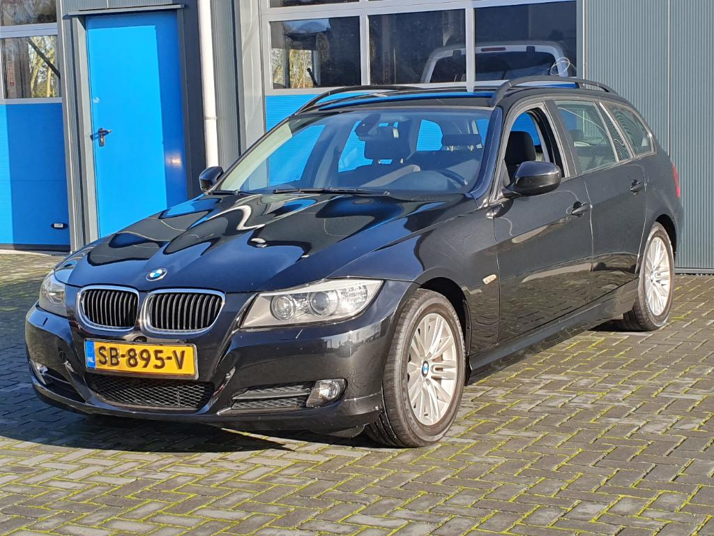 BMW 3-SERIE TOURING 320i