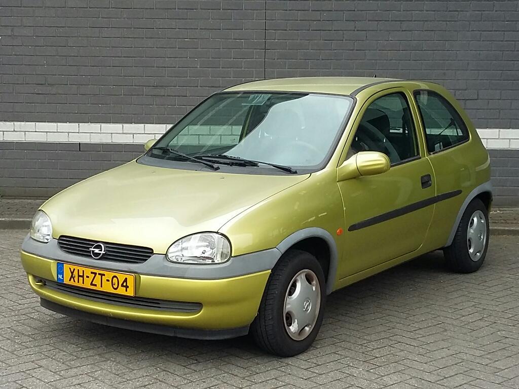 Opel CORSA  1.2i-16V Strada