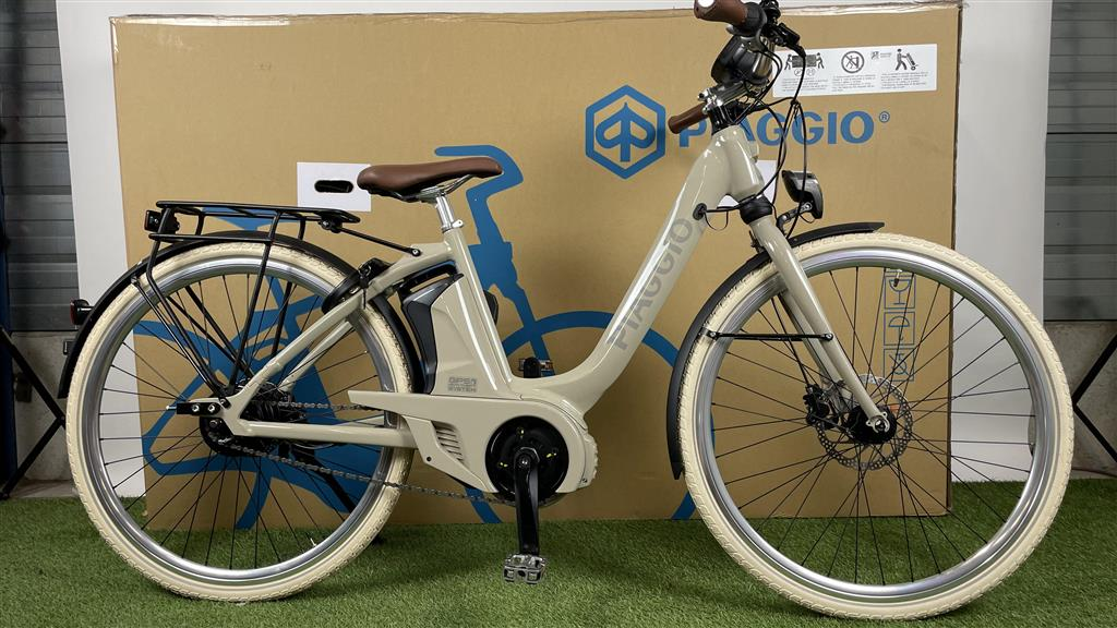 Piaggio E-bike Piaggio Uni Mech Comfort+ Sabbia Lucido 400Wh 47cm