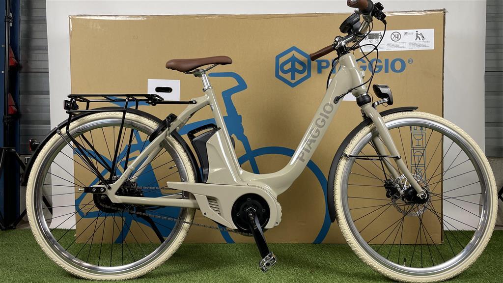 Piaggio E-bike Piaggio Uni Mech Comfort+ Sabbia Lucido 400Wh 55cm