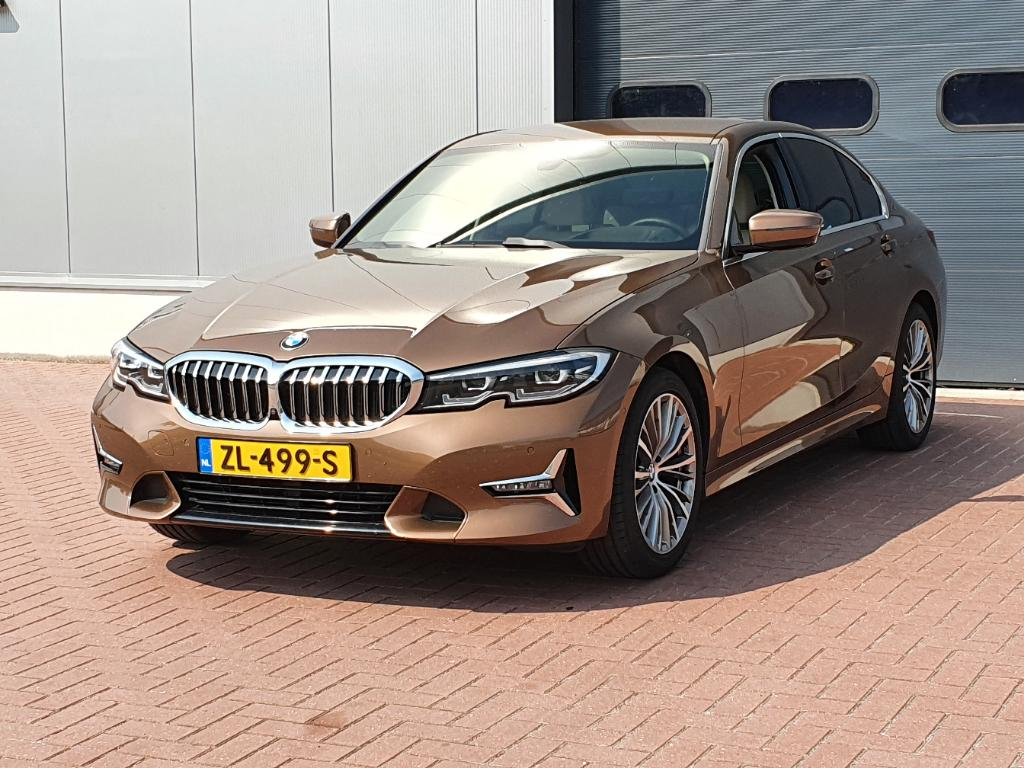 BMW 3-SERIE  320i High Exe. Ed.